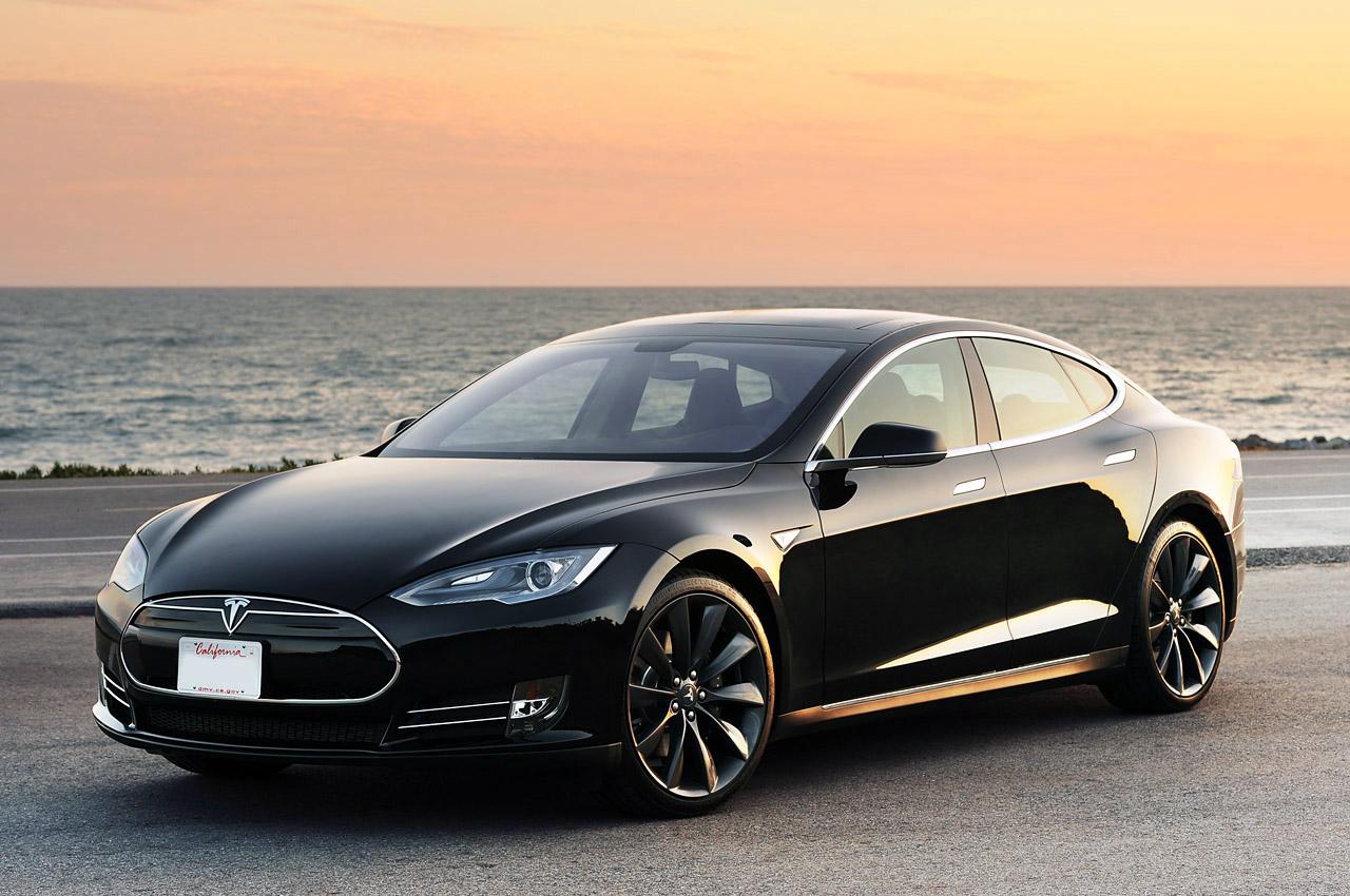 tesla-model-s auto elettrica